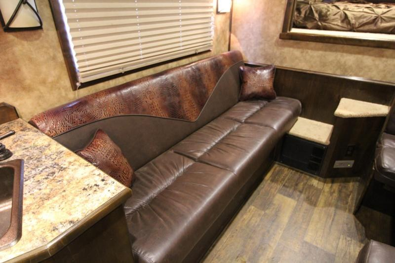 2016 Platinum 4 Horse 15ft Shortwall with Air Ride and Diesel Generator