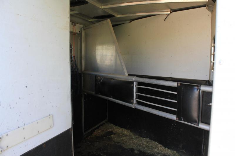 2000 Sundowner  2 Horse Bumper Pull with Rear Tack Room