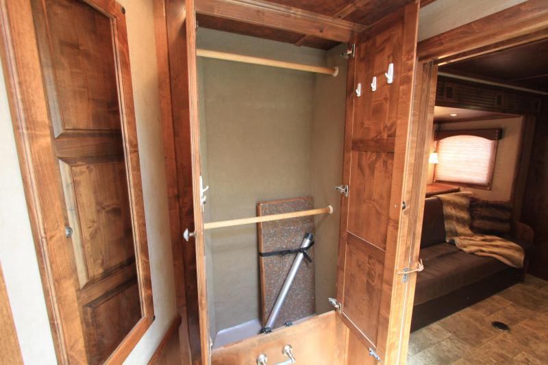 2012 Hart 3 Horse 15 lq w/ Slide out