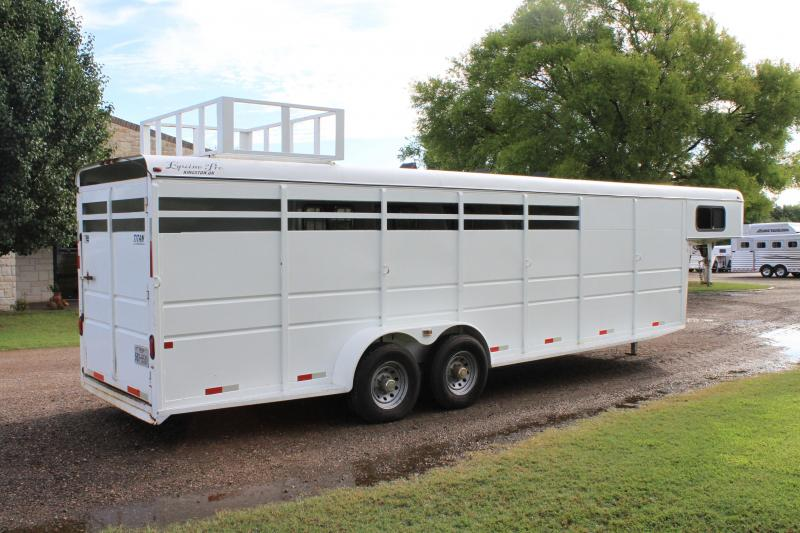2010 Titan 4 Horse / Big Back Stall