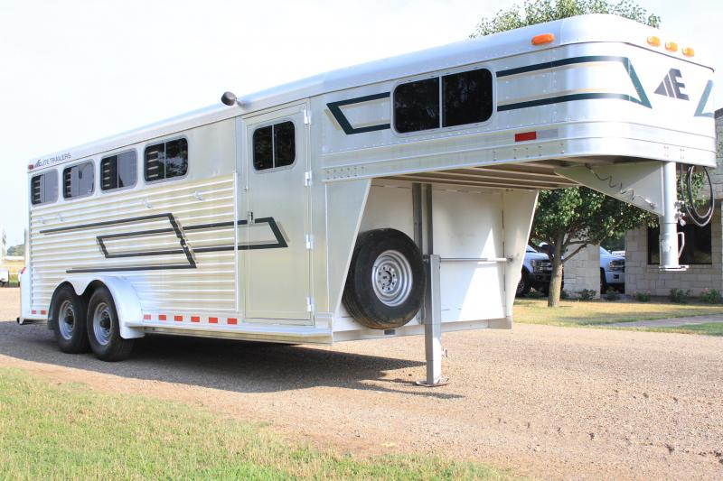 1997 Elite 4 Horse with Front Tack Room