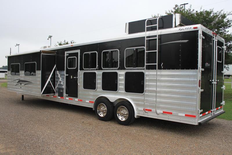 2013 Exiss  4 Horse 14ft LQ with Super Slide