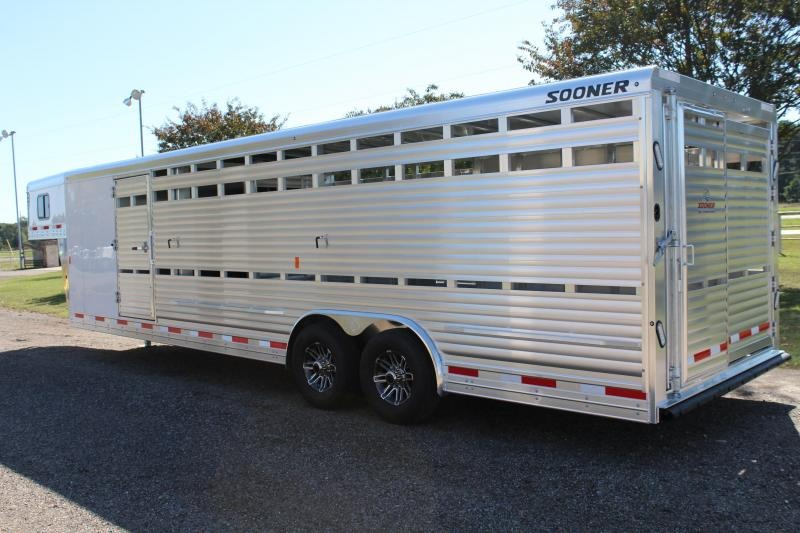 2020 Sooner 28ft x 8ft Show Cattle with Side Ramp