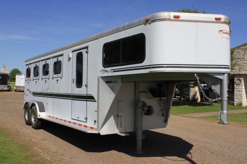 2000 Sundowner 4 Horse Gooseneck with Front Tack Room