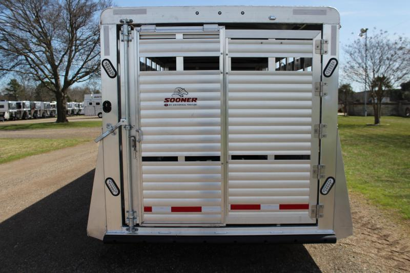 2019 Sooner 24ft with 6ft Show Cattle Combo with Side Ramp