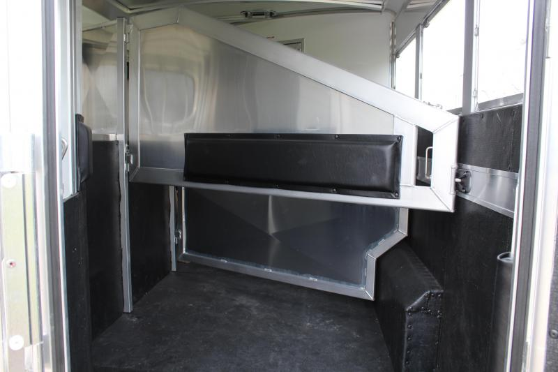 2019 Elite 3 Horse 8.8ft Shortwall with Mangers