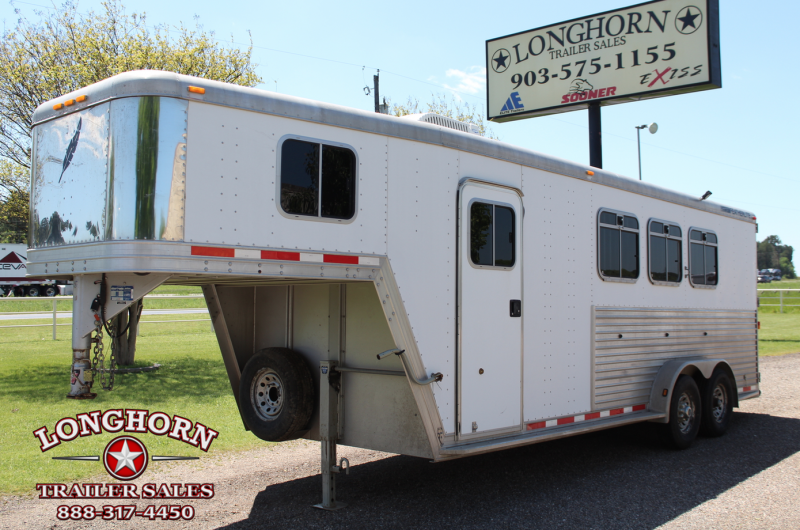 2002 Featherlite 3 Horse Goosneck with Rear Tack Room