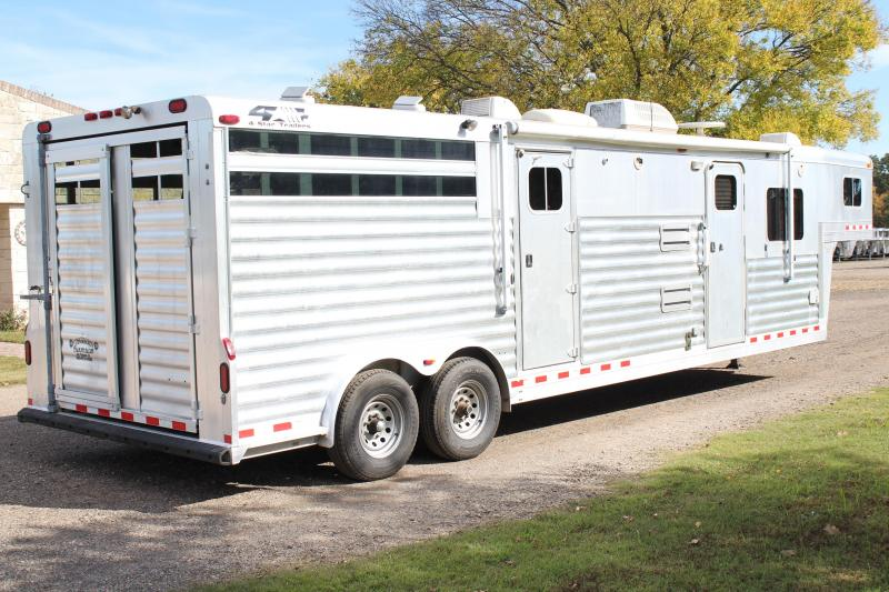 2004 4-Star Stock Living Quarter with Midtack
