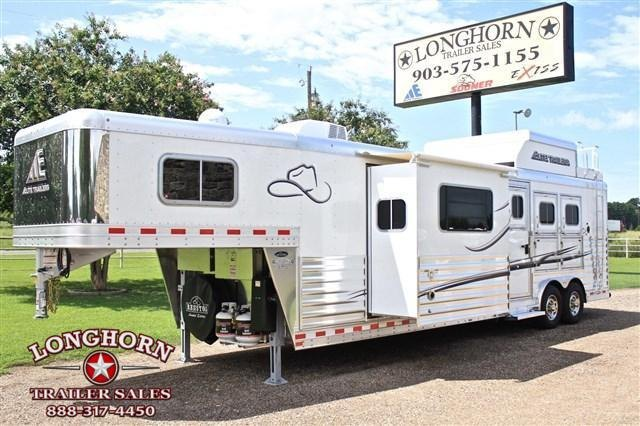 2018 Elite Trailers 3 Horse 14 Shortwall with Slide Out and Haypod Horse Trailer in TX