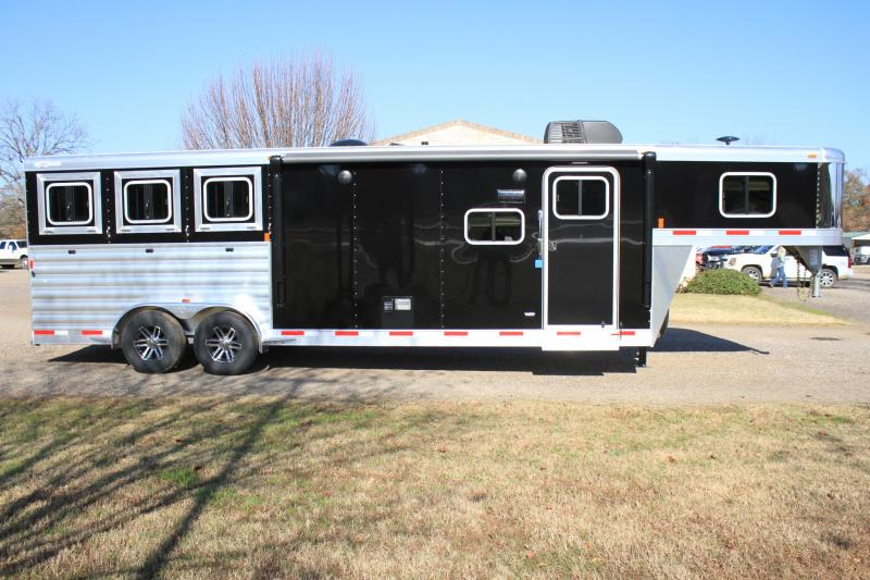2019 Exiss 3 Horse with 10.5ft Shortwall with Drop windows Both sides