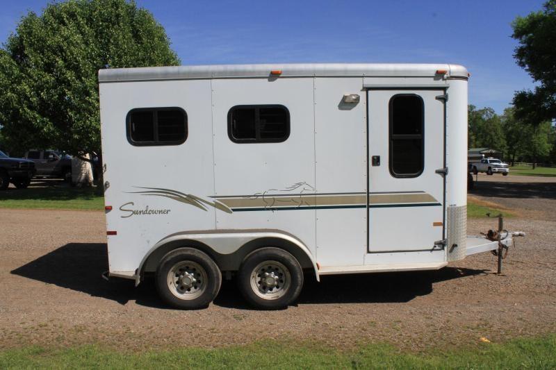 2000 Sundowner Trailers 2 Horse Slant Load Horse Trailer