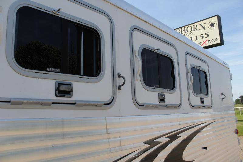 2005 Exiss 3 Horse with Weekend Package