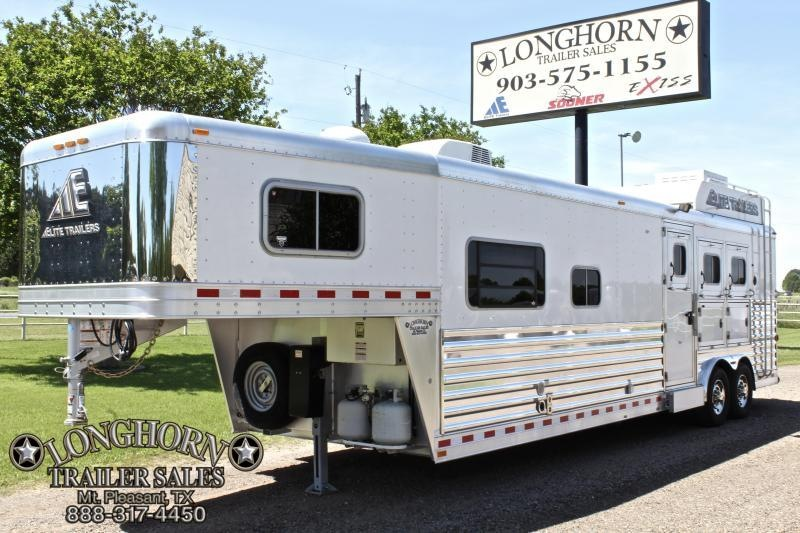 2016 Elite 3 Horse 13.8ft Shortwall by Trail Boss