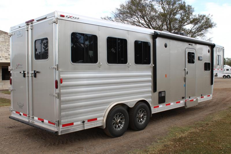 2017 Exiss Trailers 3 Horse 10'6'' Shortwall with Mangers Horse Trailer