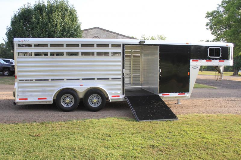 2015 Exiss Trailers 20FT STOCK COMBO w/ SIDE RAMP Livestock Trailer