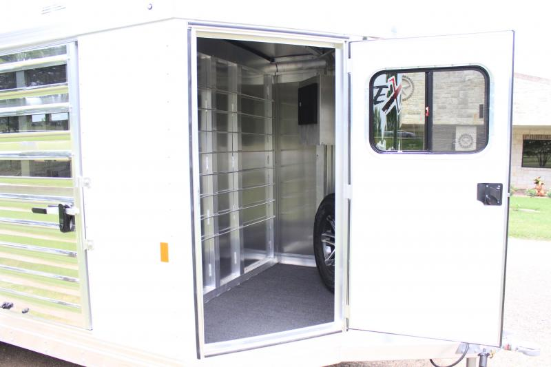 2019 Exiss 14' Low Pro with 6 Pens and AC