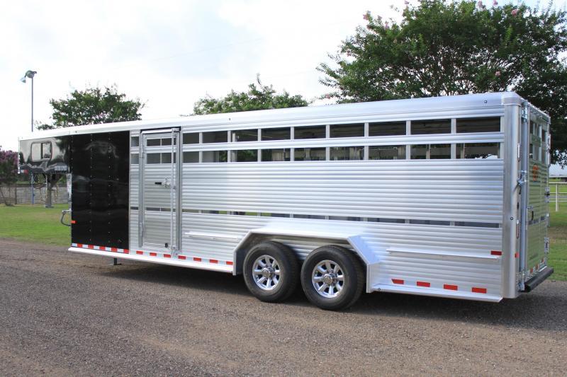 2019 Sundowner 24ft Show Cattle w/ Floating Gate