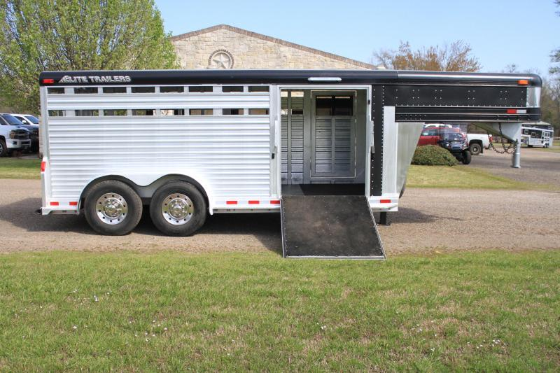 2004 Elite Trailers 16ft x 7.5ft Show Cattle with Side Ramp Livestock Trailer