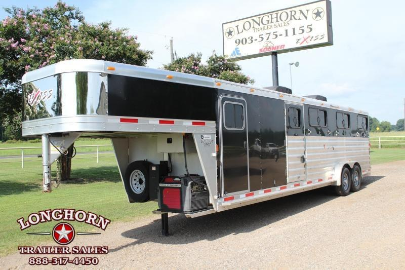 2016 Exiss 28ft Show Cattle Combo with AC and Fans   Stock Trailers
