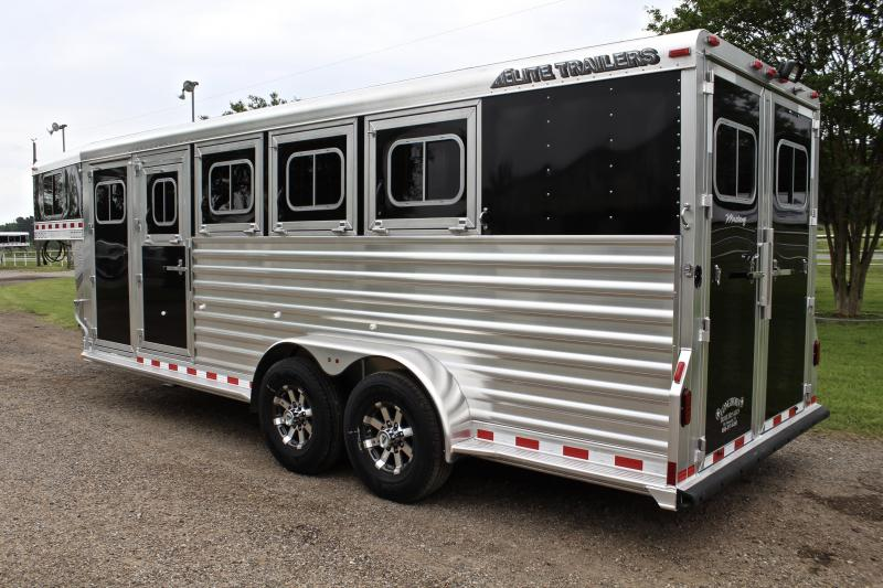 2017 Elite 4 Horse with Drop Windows on Head and Tail