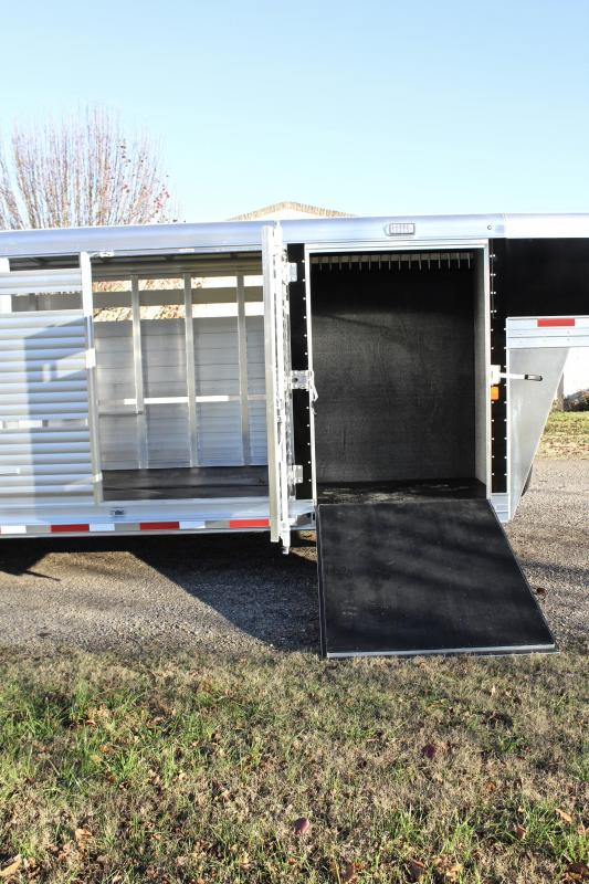 2019 Sooner 25ft Show Cattle Extreme with Split Tack Room