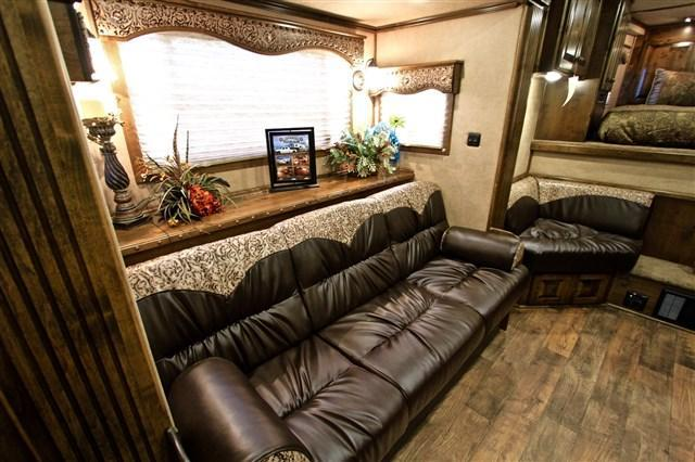 2018 Elite Trailers 4 Horse 14' Shortwall with Slide Out Resistol* Horse Trailer