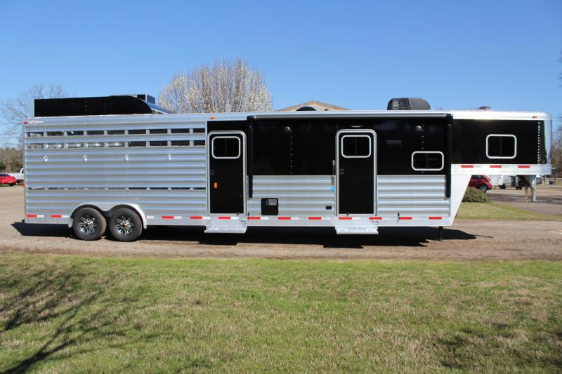 2019 Exiss 10.5ft Shortwall Stock Living Quarter with Bunk Livestock Trailer
