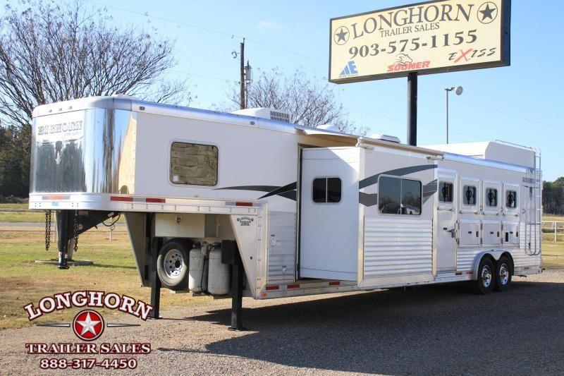 2013 Lakota 4 Horse 14ft Shortwall with Slide and Generator