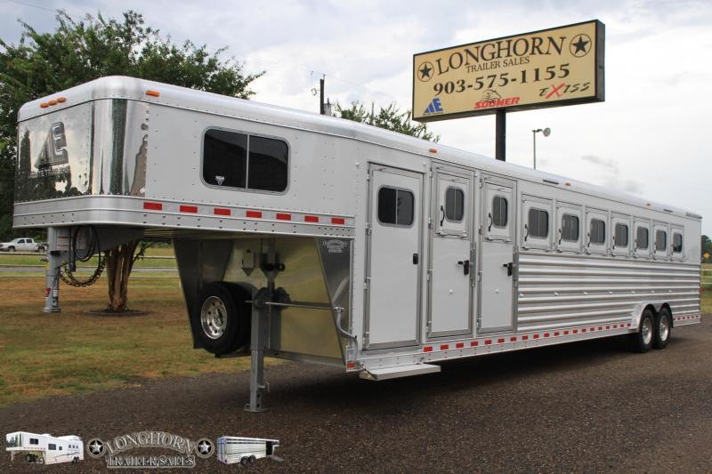 2019 Elite 9 Horse / 8 wide Horse Trailer