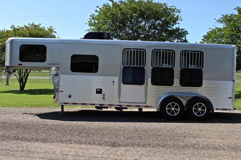 2019 Sundowner Trailers 3 Horse 6ft Living Quarter Horse Trailer