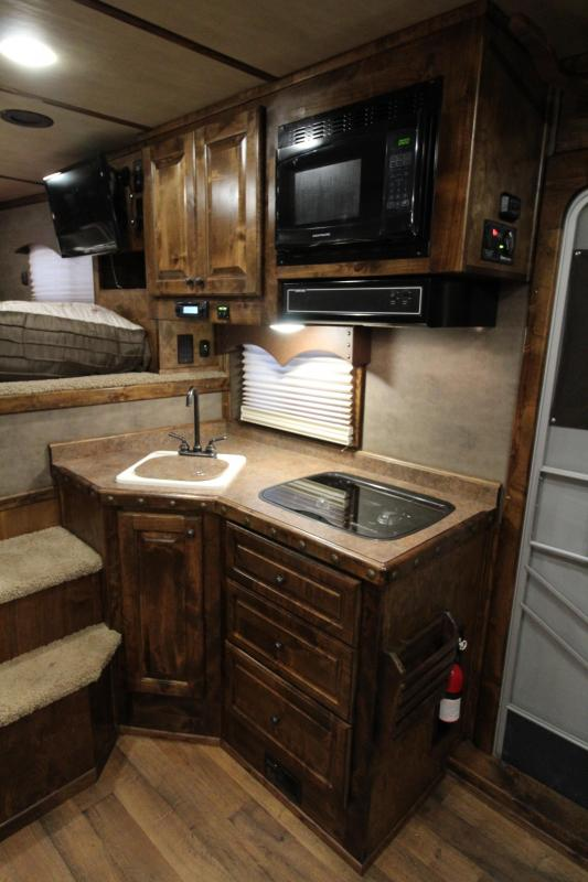 2017 Platinum Coach 3 Horse 12.8ft Shortwall with Slide Out Side Load