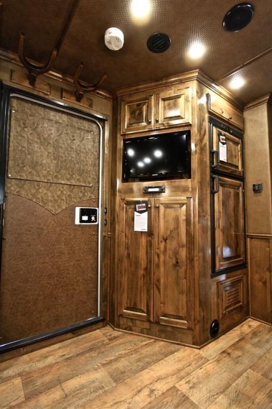 "2018 Sooner 3 Horse 13'2"" Shortwall with Custom LQ"