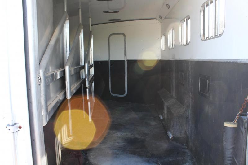 2007 Exiss 4 Horse 12ft Shortwall with Mangers