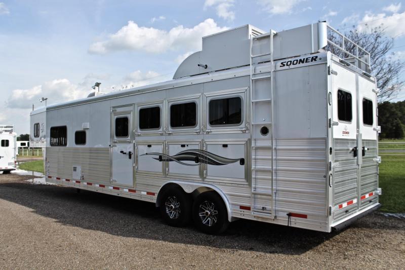2019 Sooner 4 Horse 13ft Shortwall with Generator Horse Trailer