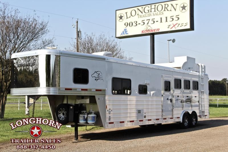 2019 Sooner 4 Horse 13ft Shortwall with Generator Horse Trailer
