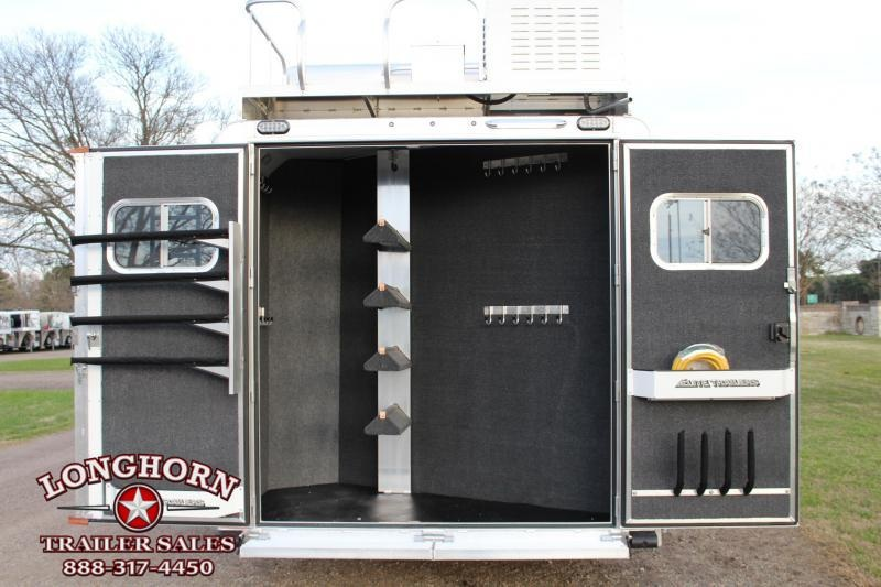 2019 Elite 4 Horse 13.8ft Shortwall Side Load Resistol Horse Trailer