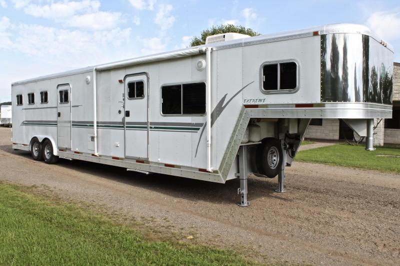 1998 Exiss 3 Horse 14ft Shortwall with Midtack