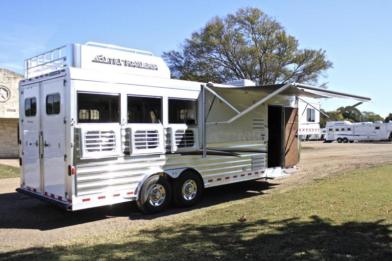 2019 Elite 3 Horse 10.8'' Shortwall with Generator