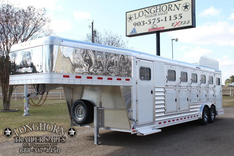 2018 Elite 5 Horse with Double Door Side Tack