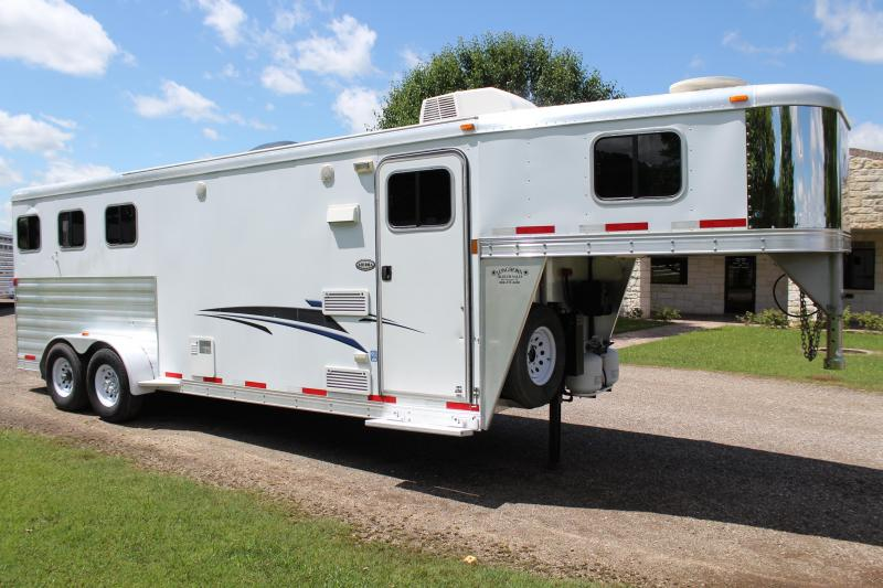2010 Exiss Trailers 3 Horse with 8ft Shortwall Horse Trailer