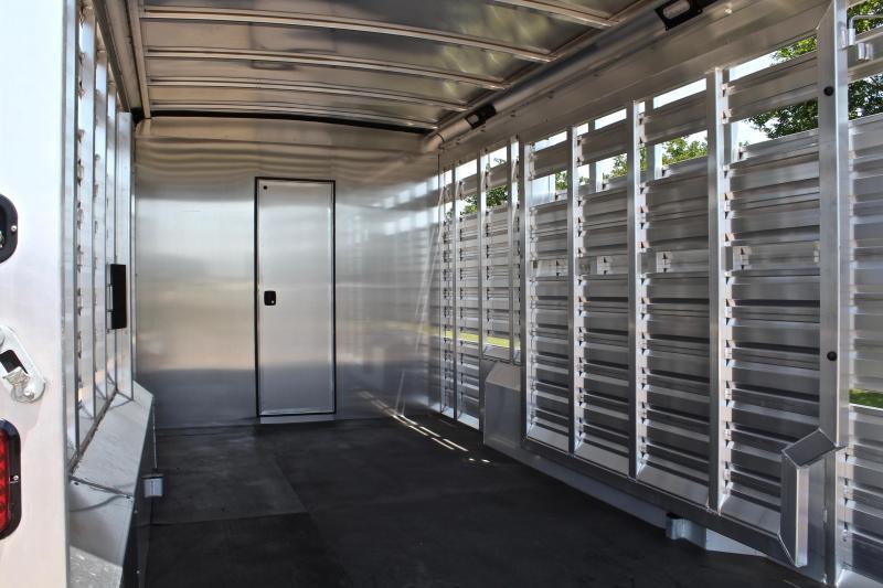 2019 Exiss 10.5ft Shortwall Stock Living Quarter w/Generator