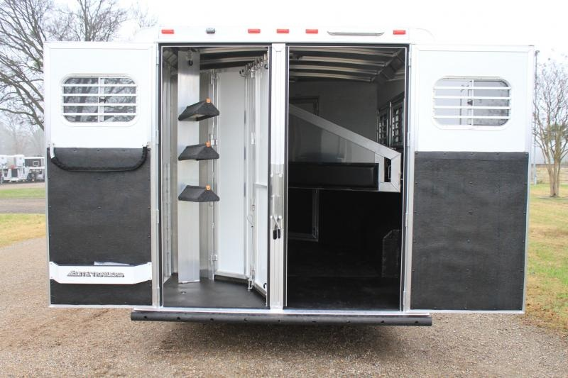 2020 Elite 3 Horse 8.8ft LQ with Mangers/Dinette