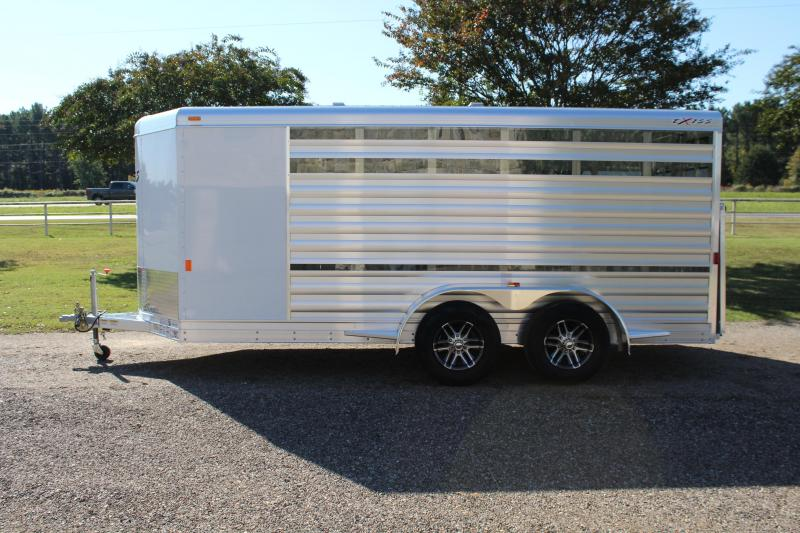 2019 Exiss Low Pro with 6 Pens/Insulated Roof