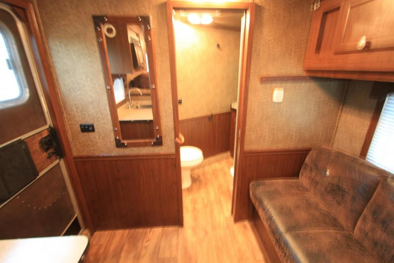2015 Exiss Stock Combo w/ 8 Lq / bunk bed
