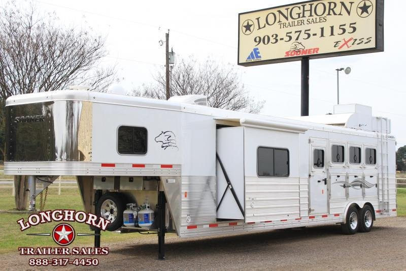 2019 Sooner 4 Horse 15ft LQ with Slide Out and Generator