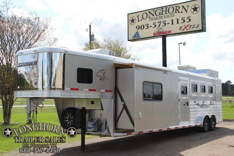 2014 Sooner 4 Horse 11ft LQ with Midtack and Slide Out