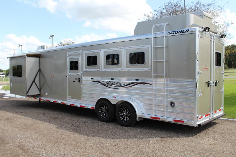 2014 Sooner 4 Horse 11ft LQ with Midtack and Slide Out