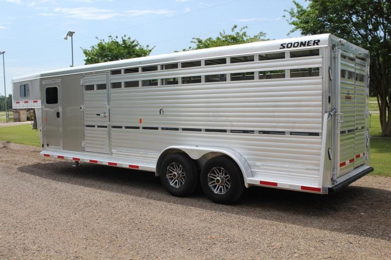 2019 Sooner 24 Ft Show Cattle with Side Ramp in Tack Room