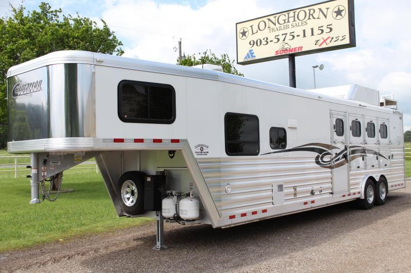 2017 Cimarron 4 Horse 12.8ft Shortwall and Generator