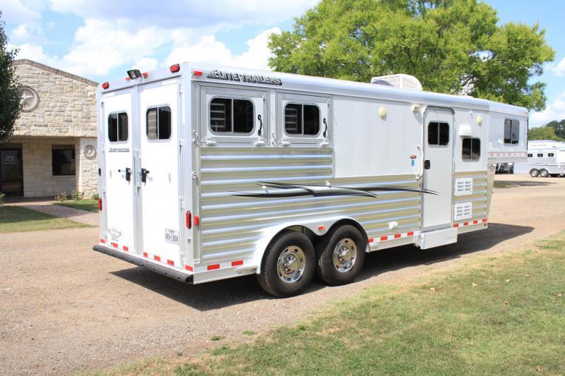 2014 Elite Trailers 2 Horse 8.8 Ft Lq / 8 Wide